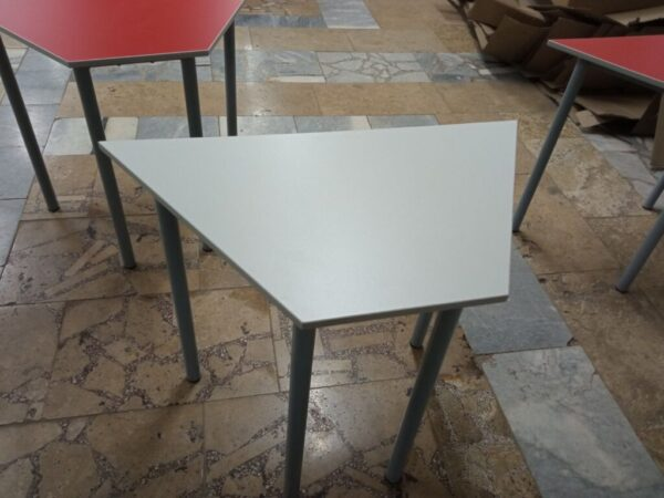 Стол трапеция